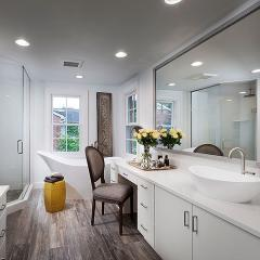 Master Bath for Petrucci Homes by Detroit architectural photographer Don Schulte